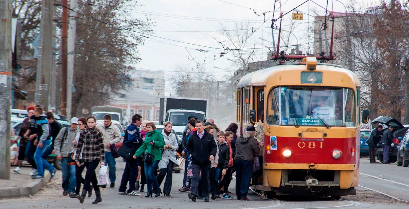 Как изменился график движения трамваев?